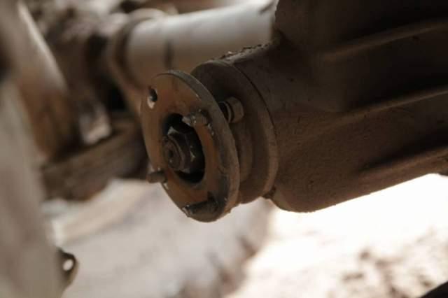 bolts-broken
