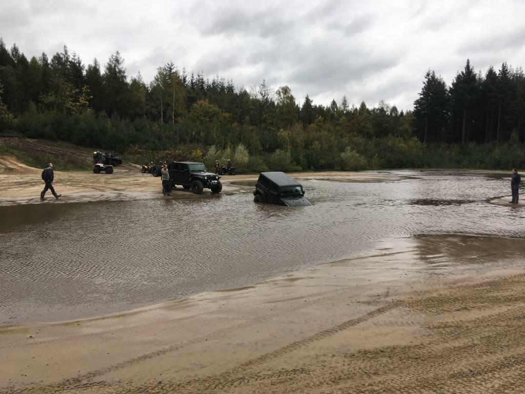 Fursten_III_drown-jeep