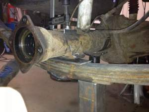 axle-on-plate-clamped2