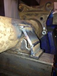 plate-brace-weld